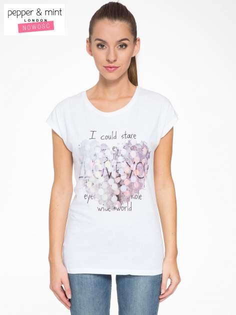 Biały t-shirt z motywem serca                                  zdj.                                  1