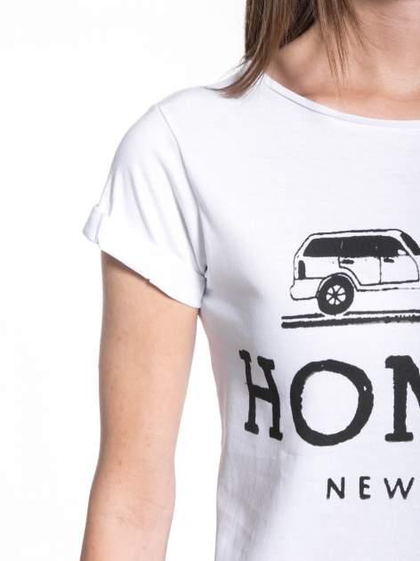 Biały t-shirt z nadrukiem HOMIES NEW YORK                                  zdj.                                  6