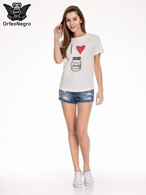 Biały t-shirt z nadrukiem I LOVE CHOCOLAT                                  zdj.                                  2