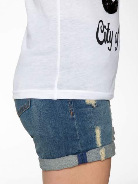 Biały t-shirt z nadrukiem NEW YORK 55 i siatkowymi rękawami                                  zdj.                                  8