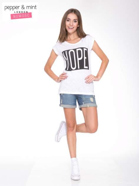 Biały t-shirt z nadrukiem NOPE                                  zdj.                                  5