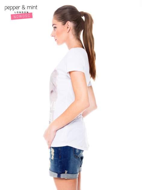 Biały t-shirt z nadrukiem dziewczyny                                  zdj.                                  3