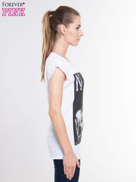 Biały t-shirt z nadrukiem kobiety i napisem NEVER DOUBT                                  zdj.                                  2