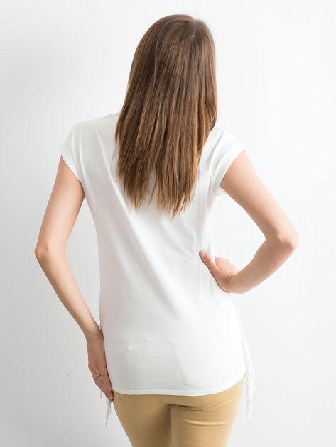 Biały t-shirt z nadrukiem psów                              zdj.                              2