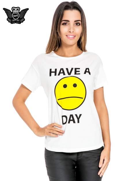 Biały t-shirt z nadrukiem so-so smile                                  zdj.                                  1
