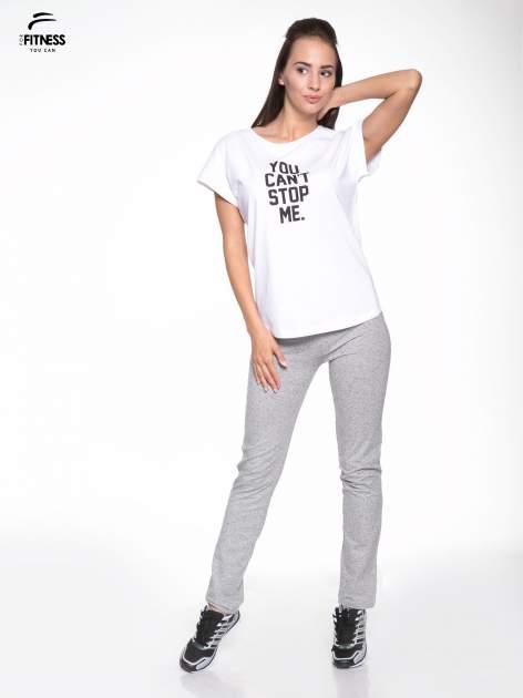 Biały t-shirt z nadrukiem tekstowym YOU CAN'T STOP ME                                  zdj.                                  5