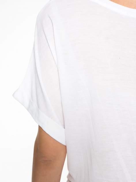 Biały t-shirt z nadrukiem ust i napisem TRUE LOVE                                  zdj.                                  11