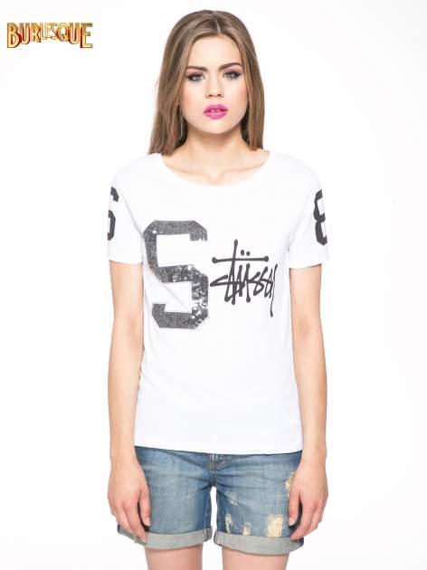 Biały t-shirt z nadrukiem z cekinami                                  zdj.                                  12