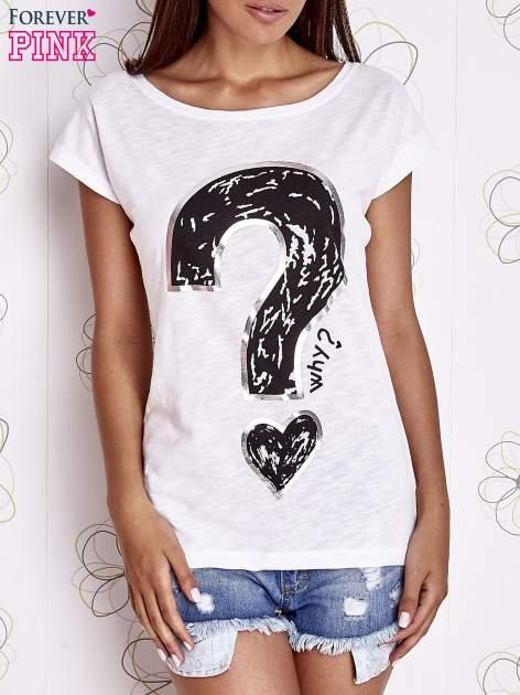 Biały t-shirt z nadrukiem znaku zapytania                                  zdj.                                  1