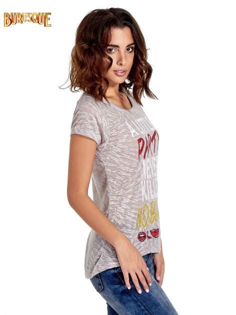 Biały t-shirt z napisem A LITTLE PARTY NEVER KILLED NOBODY                                  zdj.                                  3
