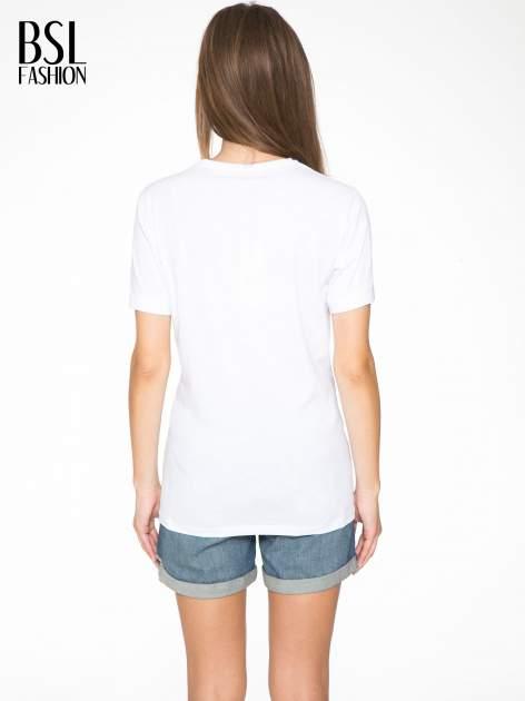 Biały  t-shirt z napisem AMOUR RÉVOLUTION                                  zdj.                                  4