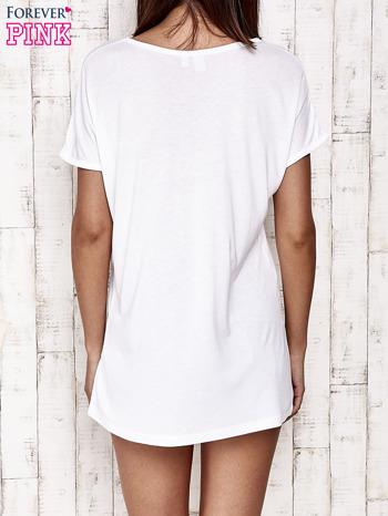 Biały t-shirt z napisem DREAM BIG                                  zdj.                                  4