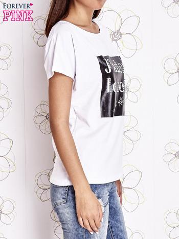 Biały t-shirt z napisem J'ADORE LE NOIR                                  zdj.                                  3
