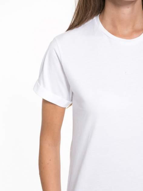 Biały t-shirt z napisem MARGIELA 47 na plecach                                  zdj.                                  7