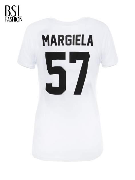 Biały t-shirt z napisem MARGIELA 47 na plecach                                  zdj.                                  3