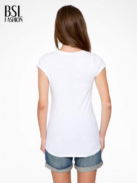 Biały t-shirt z napisem Nº4 COCO                                  zdj.                                  4