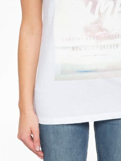 Biały t-shirt z napisem STAND BY ME                                  zdj.                                  7