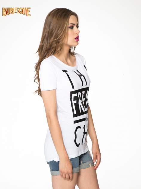 Biały t-shirt z napisem THE FREAK IS CHIC                                  zdj.                                  3