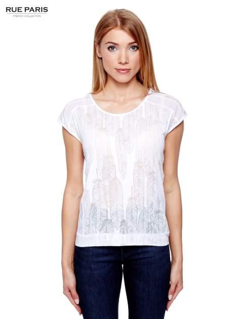 Biały t-shirt z transparentnym nadrukiem piór
