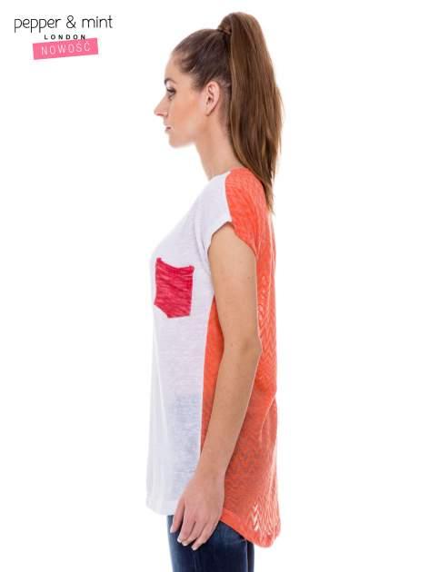 Biały t-shirt z wydłużanym tyłem w pomarańczowym kolorze                                  zdj.                                  2