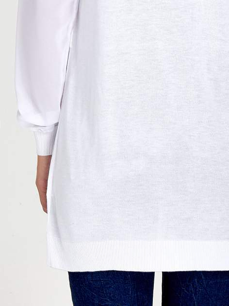 Biały wiązany sweter z przezroczystymi rękawami                                  zdj.                                  7
