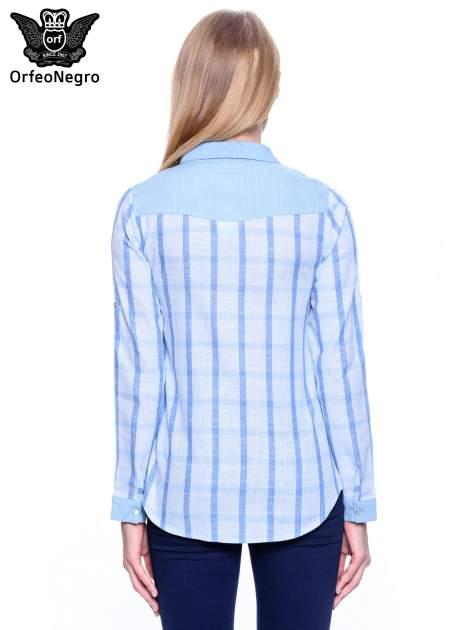Błękitna koszula w kratę z biżuteryjnym kołnierzykiem                                  zdj.                                  5