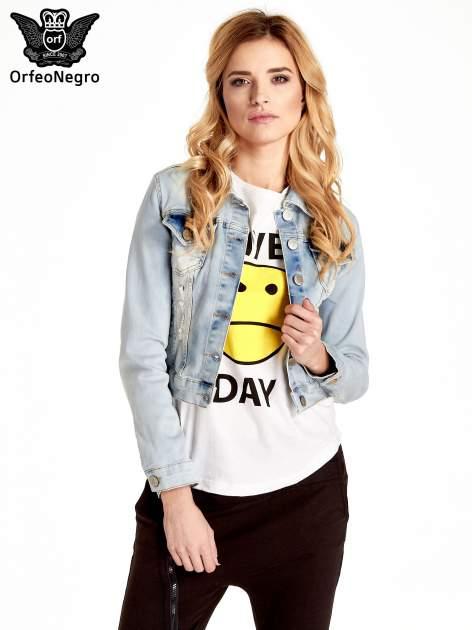 Błękitna kurtka jeansowa damska z poszarpaniem i cieniowaniem                                  zdj.                                  1