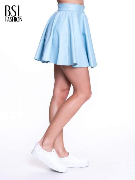 Błękitna mini spódnica skater ze skóry                                  zdj.                                  4