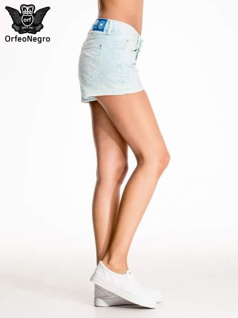 Błękitne dekatyzowane jeansowe szorty                                  zdj.                                  3