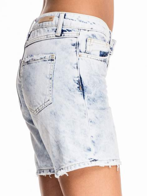 Błękitne jeansowe szorty z dłuższą nogawką                                  zdj.                                  7
