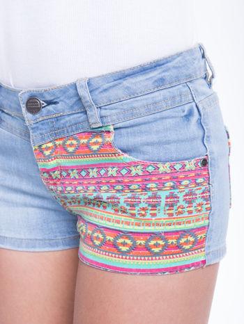 Błękitne szorty jeansowe z azteckim wzorem                                  zdj.                                  9