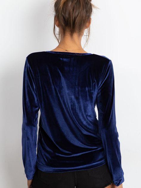 Bluza damska aksamitna z aplikacją z perełek i dżetów granatowa                              zdj.                              2