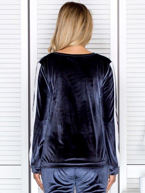 Bluza damska welurowa z jasnymi modułami ciemnoszara                              zdj.                              2