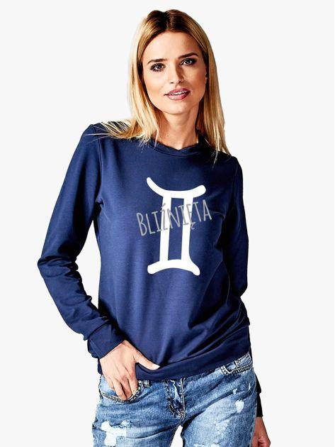 Bluza damska z motywem znaku zodiaku BLIŹNIĘTA granatowa                              zdj.                              1