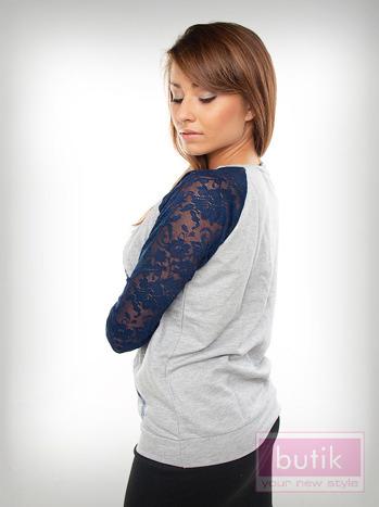 Bluza z ozdobną aplikacją                                  zdj.                                  2