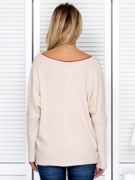 Bluzka damska z kontrastową lamówką jasnobeżowa                              zdj.                              2