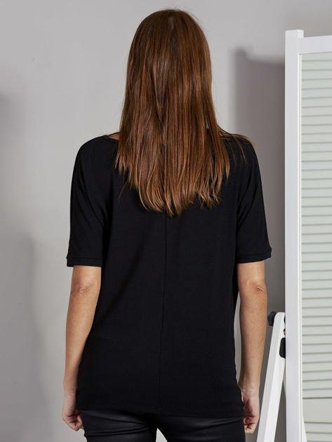 Bluzka damska z lejącym dekoltem czarna                              zdj.                              2