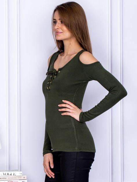 Bluzka khaki cold arms ze sznurowanym dekoltem                              zdj.                              3