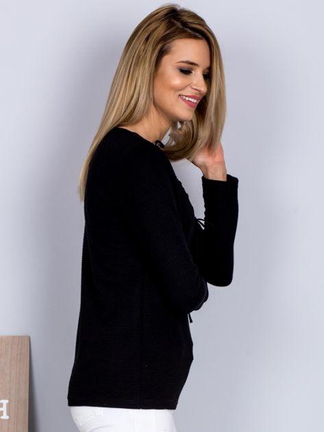Bluzka lace up z fakturą w paski czarna                              zdj.                              3