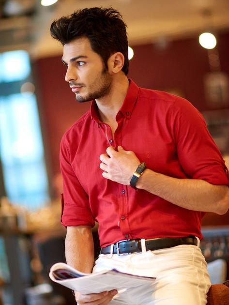 Bordowa koszula męska regular fit z podwijanymi rękawami                               zdj.                              1