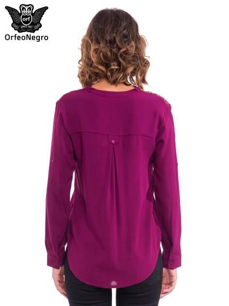 Bordowa koszula z haftem etno na ramionach i kieszonką