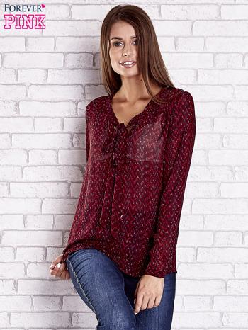 Bordowa koszulowa bluzka mgiełka z wiązanym dekoltem                                  zdj.                                  3