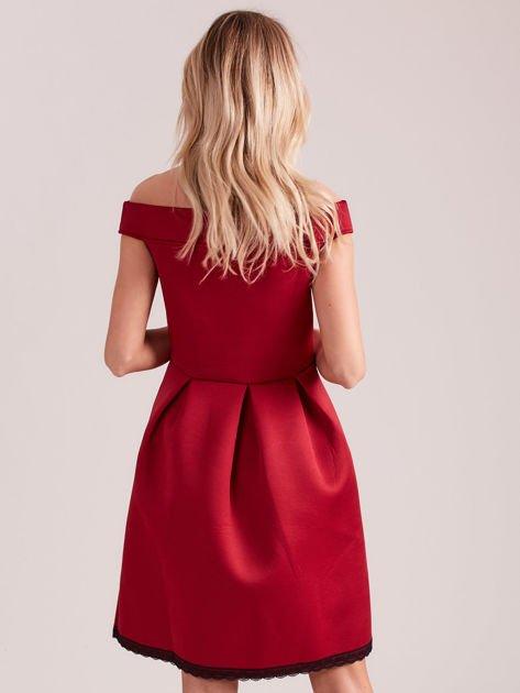 Bordowa rozkloszowana sukienka z pianki                              zdj.                              2