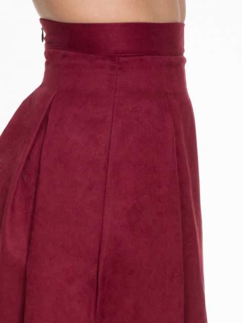 Bordowa zamszowa spódnica midi z kontrafałdami                                  zdj.                                  4