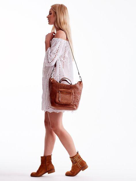 Brązowa ażurowa torba z plecioną kieszonką                              zdj.                              2