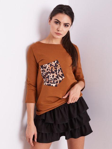 Brązowa bluzka z motywem zwierzęcym                              zdj.                              2