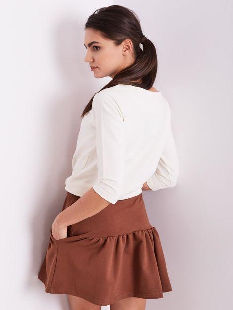 Brązowa dresowa spódnica z falbaną                               zdj.                              9