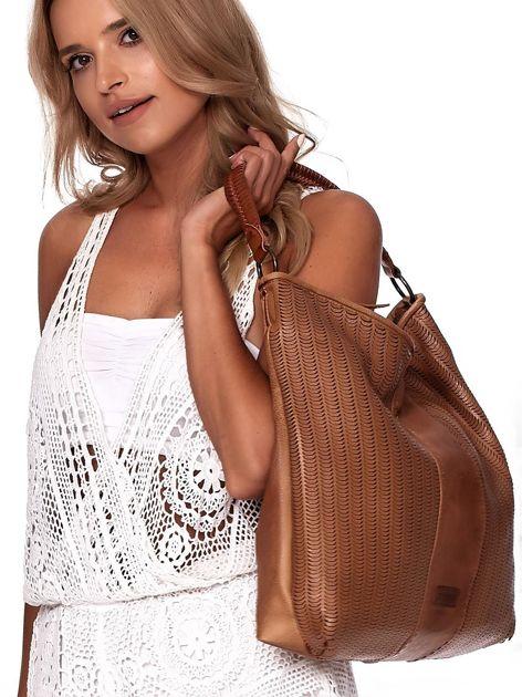 Brązowa duża torba z ażurowaniem i odpinanym paskiem                              zdj.                              5