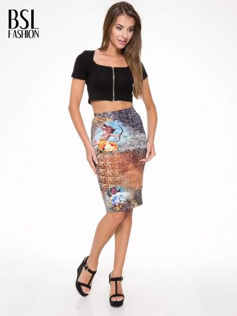 Brązowa ołówkowa spódnica z artystycznym nadrukiem                                  zdj.                                  5