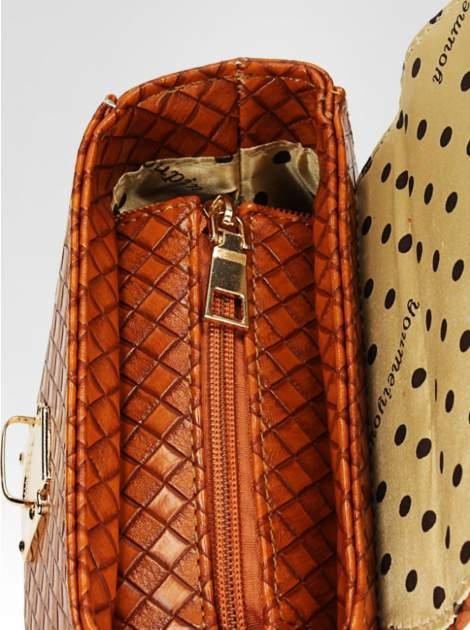 Brązowa pikowana mini torebka kuferek w stylu retro                                  zdj.                                  7